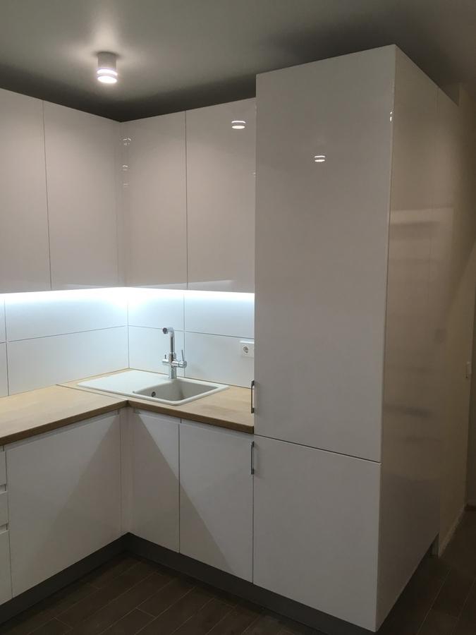 Белый кухонный гарнитур-Кухня МДФ в эмали «Модель 433»-фото5