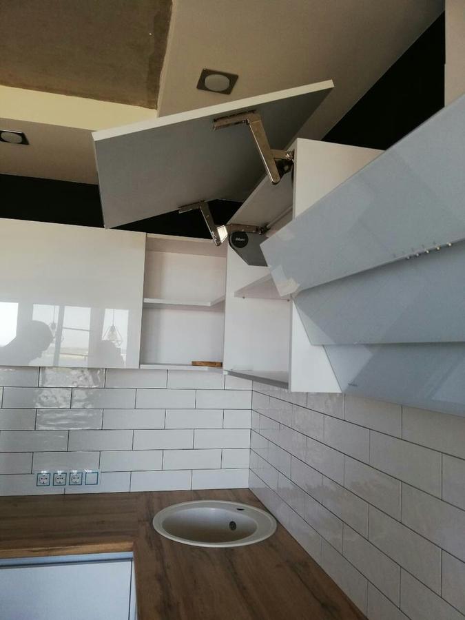 Белый кухонный гарнитур-Кухня МДФ в эмали «Модель 380»-фото8