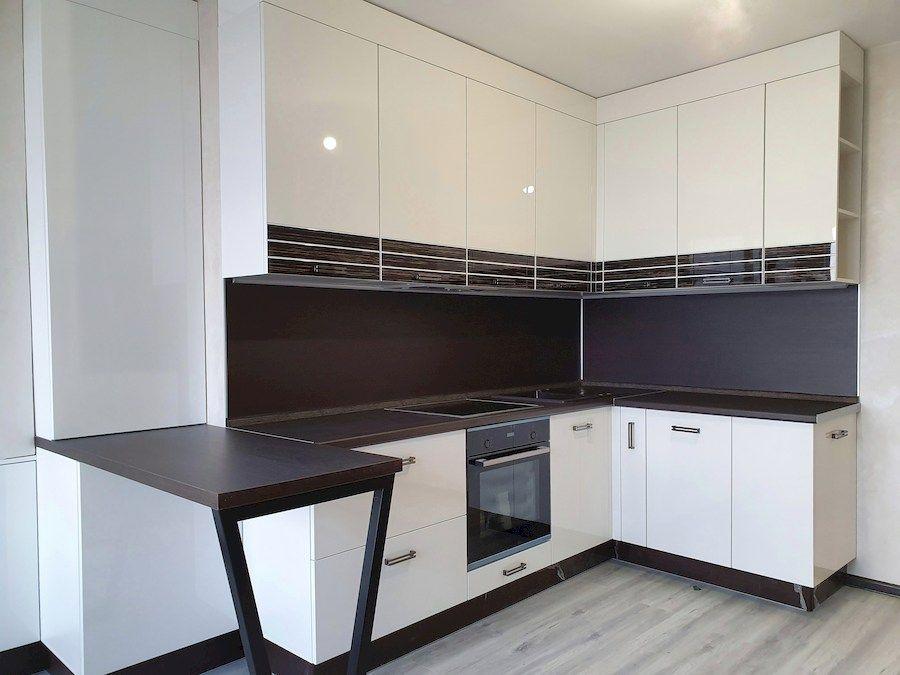 Белый кухонный гарнитур-Кухня из шпона «Модель 560»-фото3